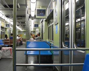 Metro São Paulo met beeldschermen