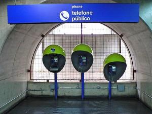 Foto van openabre telefoons met koepel