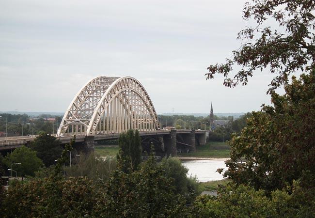 Foto Waalbrug Nijmegen