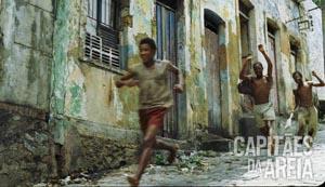Foto rennende straatjongens