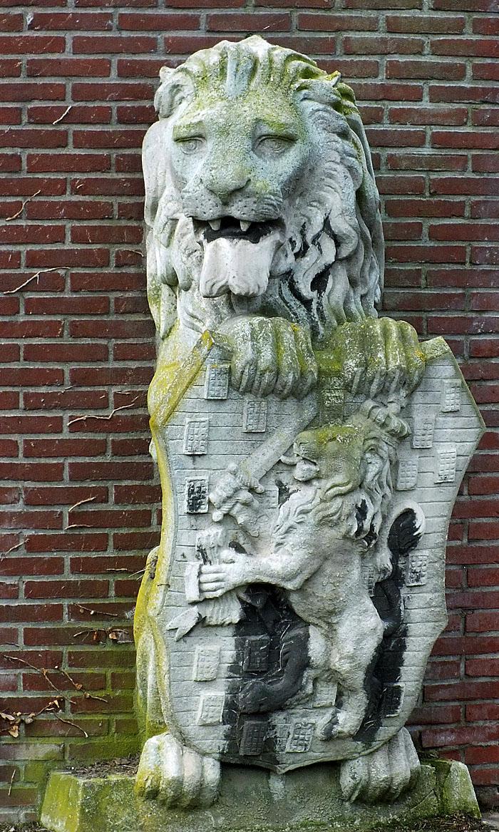 Foto van standbeeld van leeuw