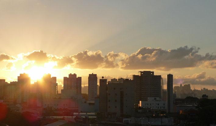 Skyline São Paulo met ondergaande zon
