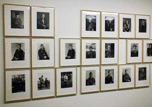 Wand met foto's van August Sander