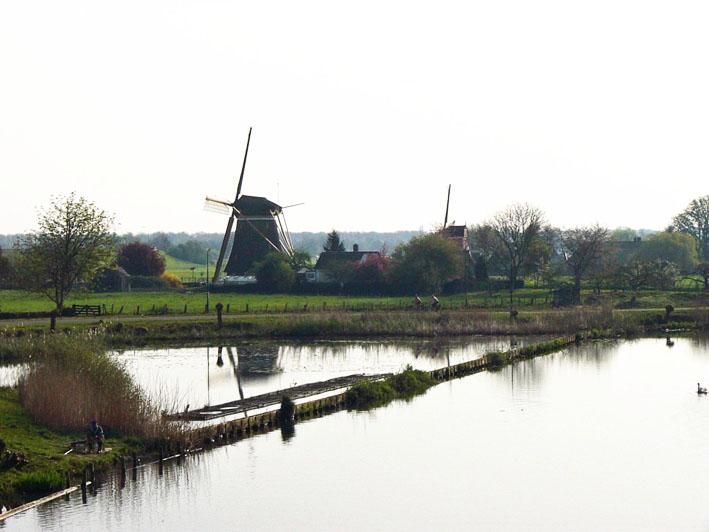 Foto molen en plas bij Maarssen