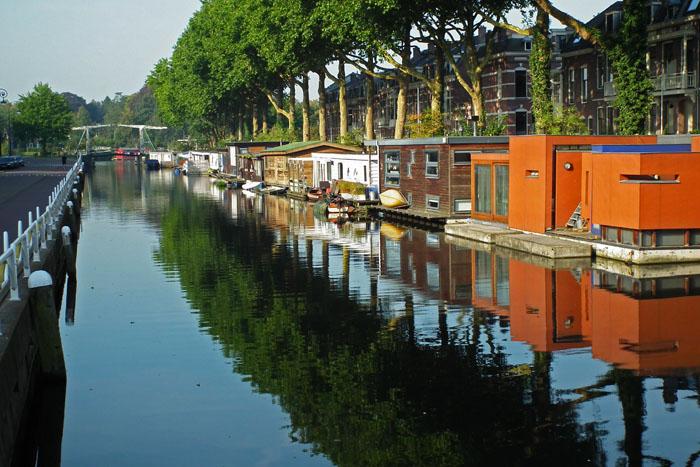 Foto van woonboten in de Leidsche Rijn in Utrecht