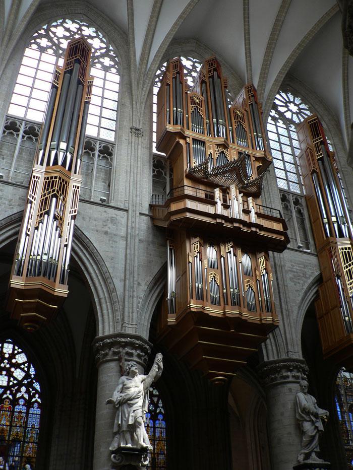 Foto van orgel in de kathedraal van Brussel