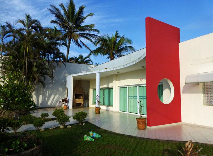 Foto van huis met moderne architectuur