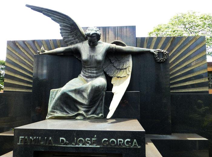 Foto van beeld van engel (grafmonument)