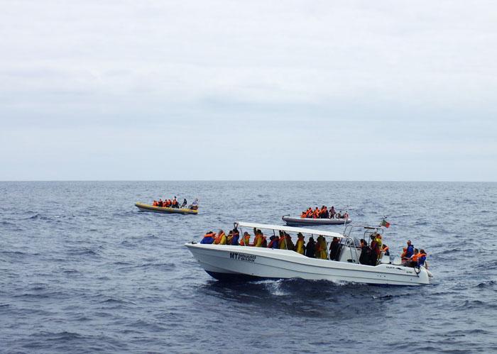 Foto van bootjes met toeristen