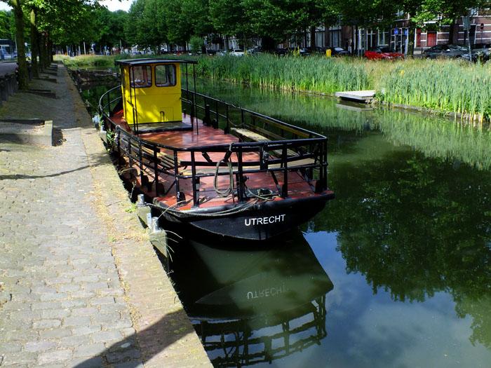 Foto van bootje aan kade