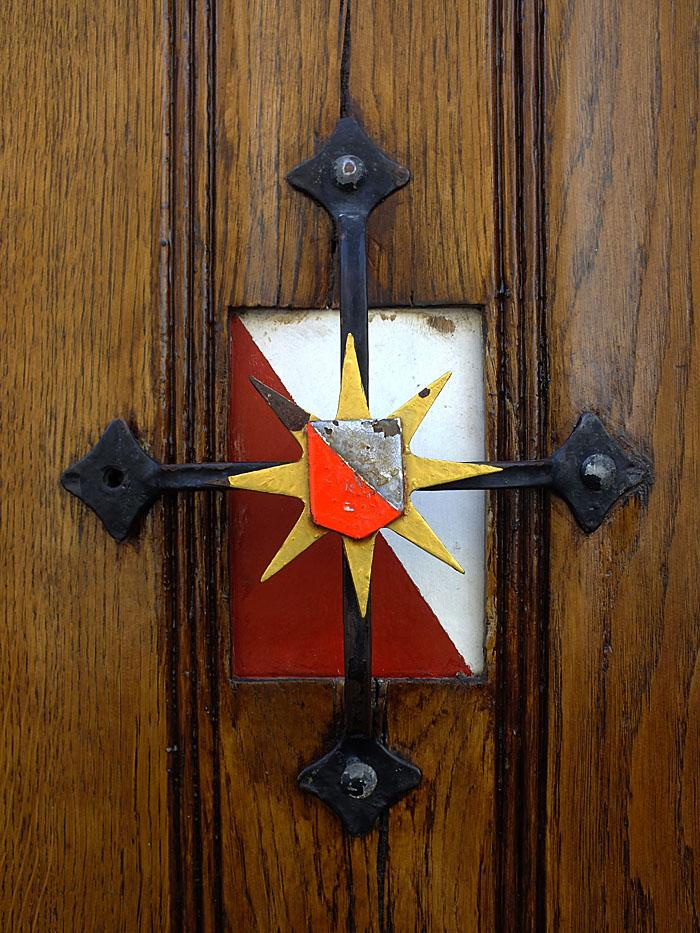 Foto van wapen van Utrecht op deur