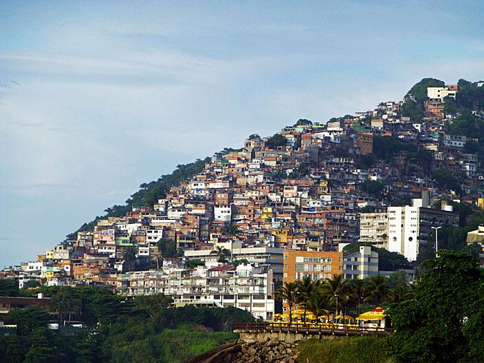 Foto van favela in Rio (2013)