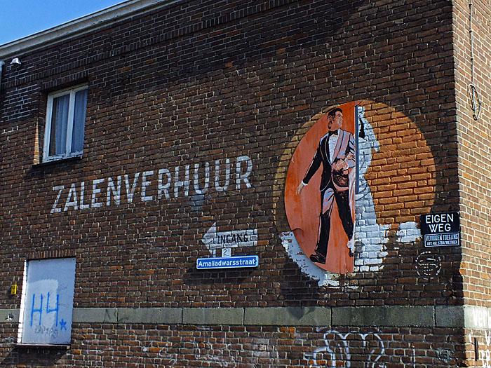 Foto van muur met 'zalenverhuur'
