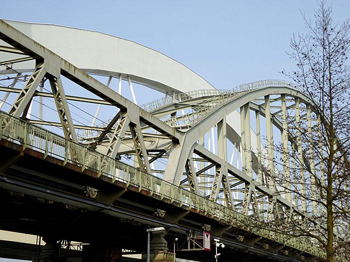 Foto van twee bruggen