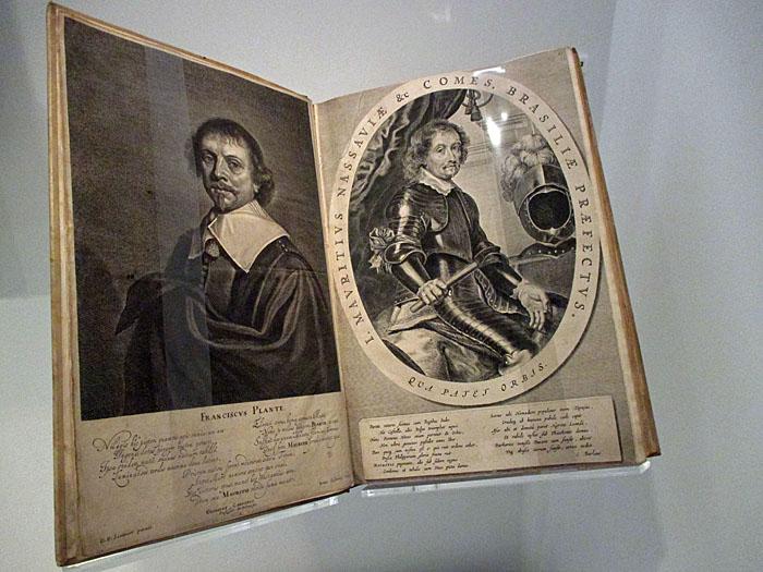 Foto van monumentaal boek