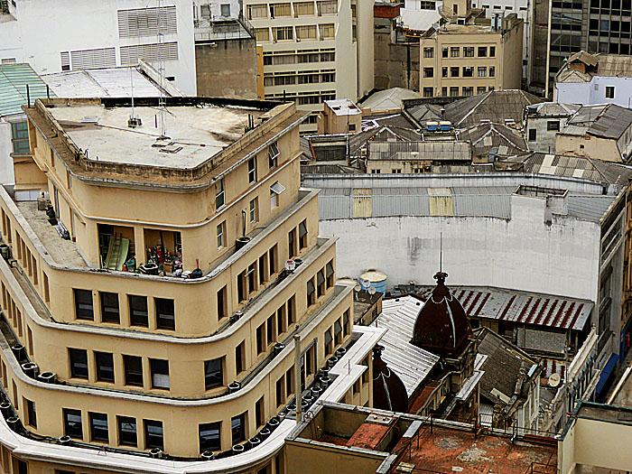 Foto van uitzicht op lagere gebouwen