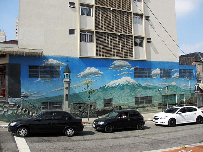 Foto van graffiti en auto's