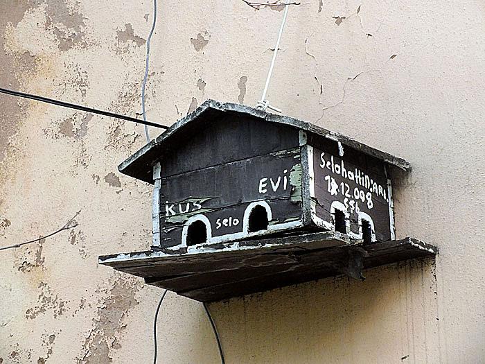 Foto van houten vogelhuisje
