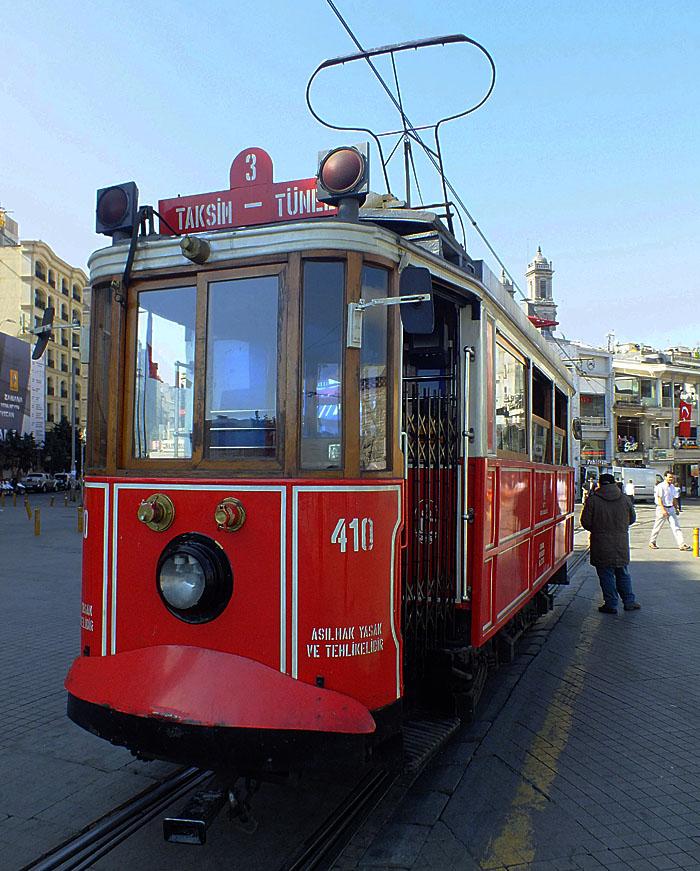Foto van rode tram