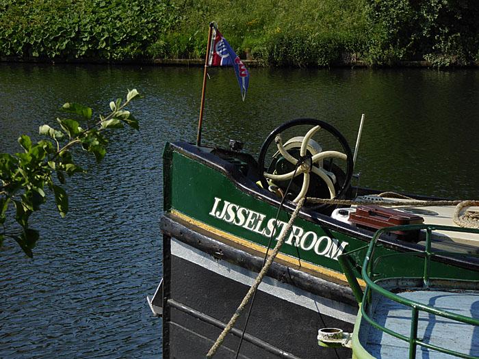 Foto van boeg van schip 'IJsselstroom'