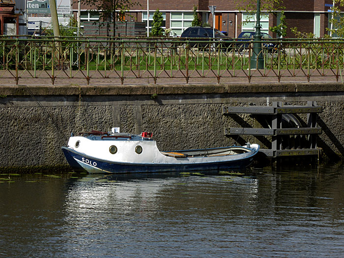 Foto van klein motorbootje