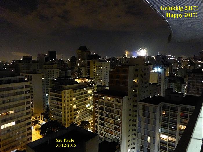 Foto van stad bij nacht