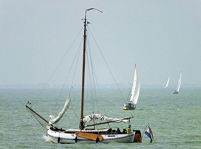 Foto van boten op meer