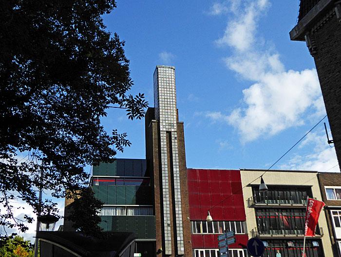 Foto van gebouw met toren