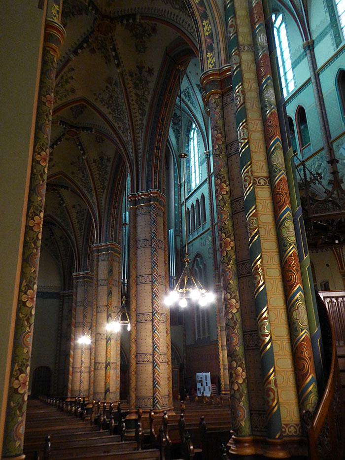 Foto van rijk versierde pilaren