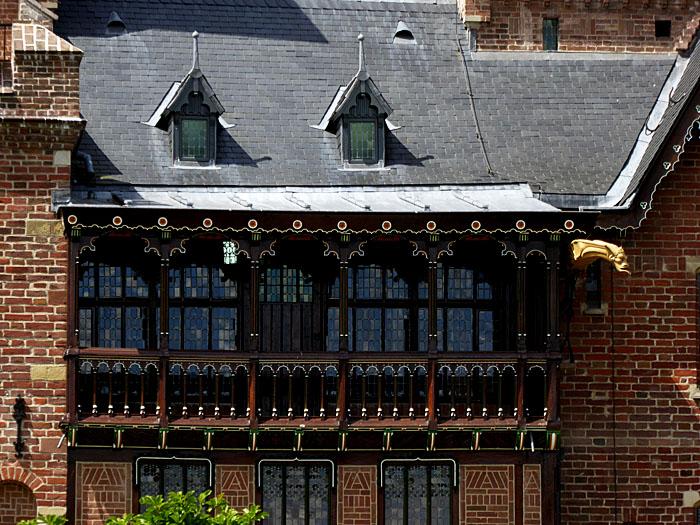 Foto van balkon van kasteel