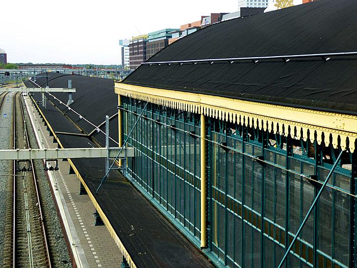 Foto van spoor lang stationskap