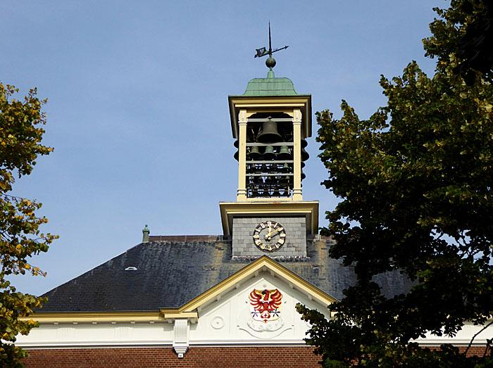 Foto van dak met carillontoren