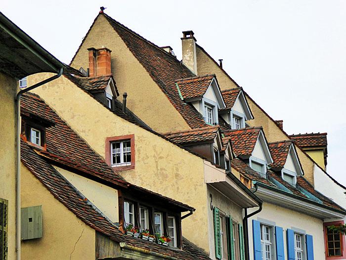 Foto van daken met dakkapellen