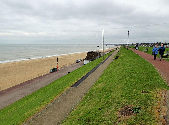 Foto van boulevard en strand
