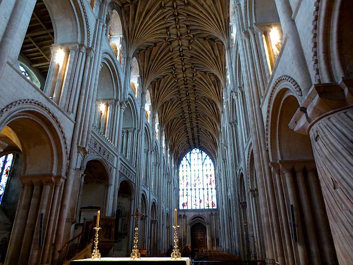 Foto van interieur van grote kerk