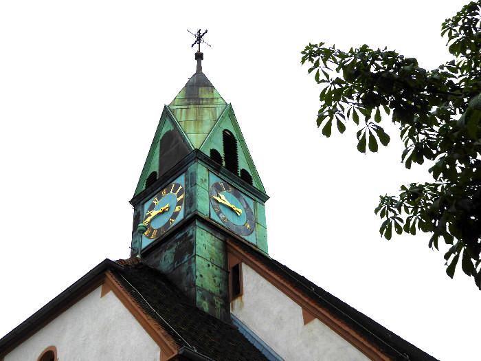 Foto van toren met klok