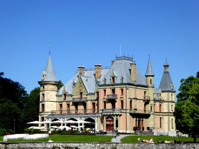 Foto van groot kasteel