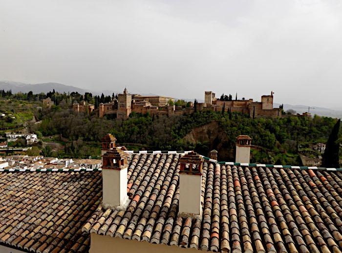 Foto van Alhambra in de verte