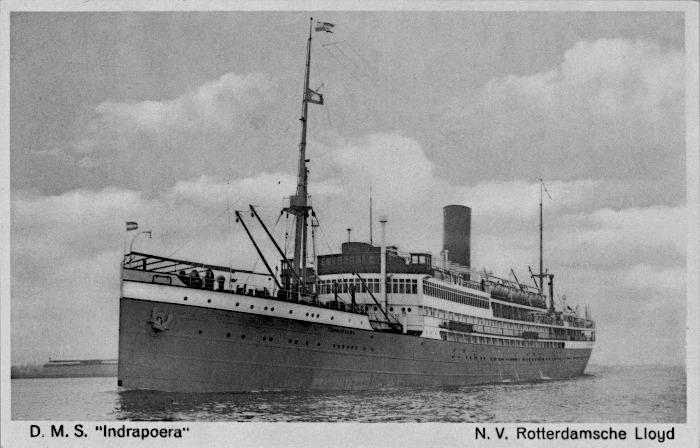 Ansichtkaart met foto van de Indrapoera