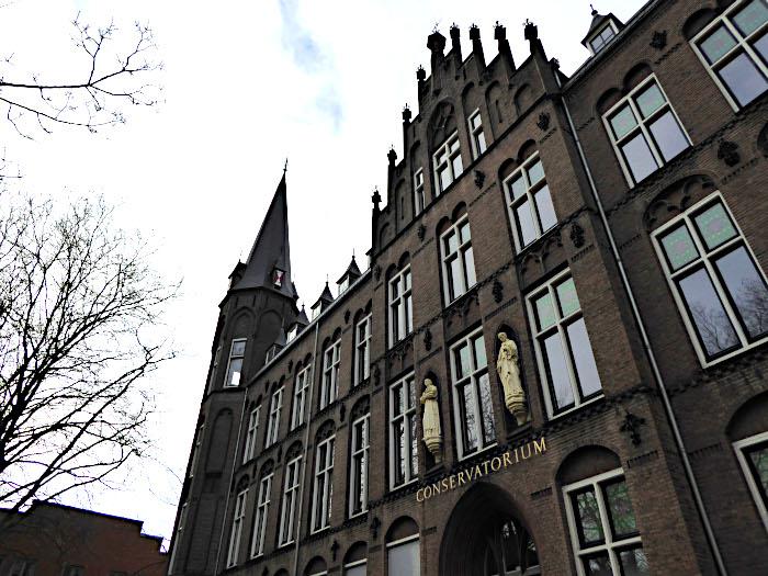 Foto van gebouw van conservatorium