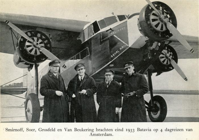 Foto van vliegtuig met bemanning