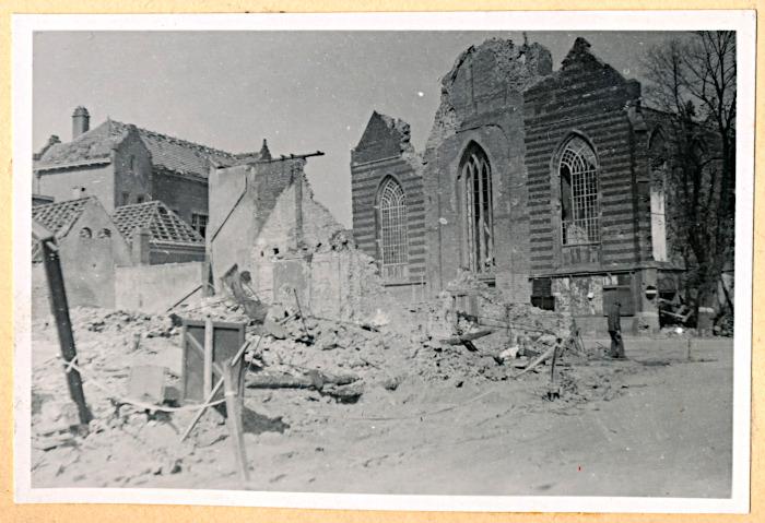 Foto van gebombardeerde kerk