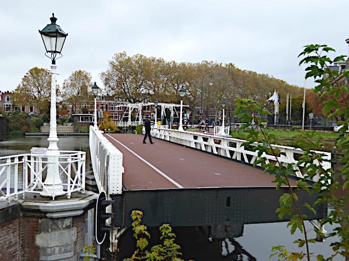 Foto van opengaande draaibrug