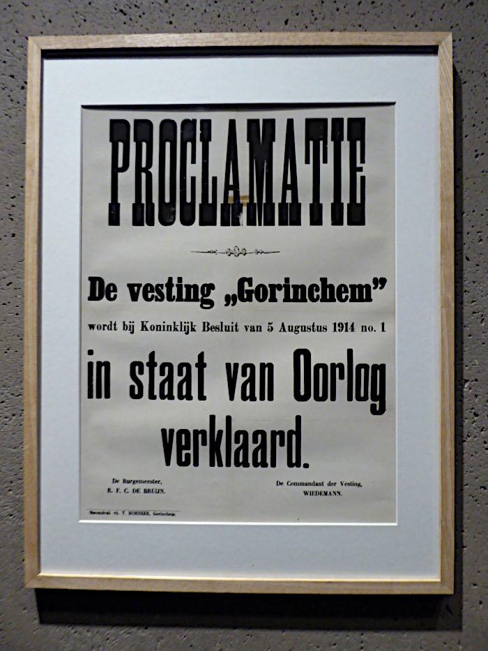 Foto van plakkaat met oorlogsproclamatie