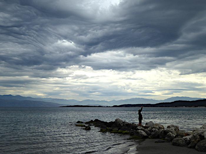 Foto van zee en wolkenlucht