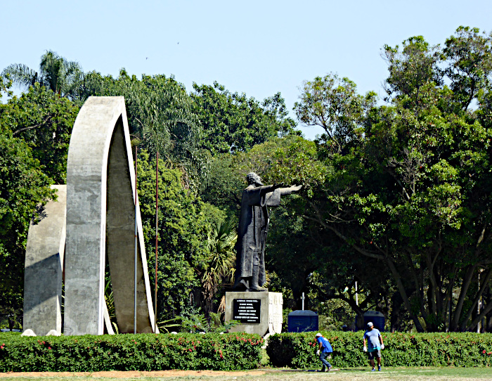 Foto van standbeeld van Cabral