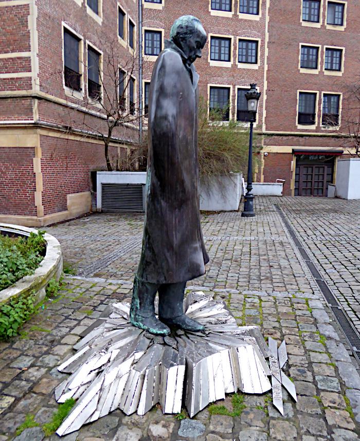 Foto van beeld van Bartók