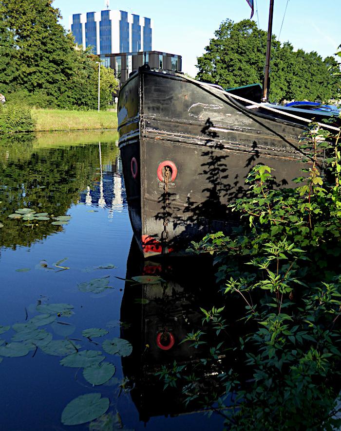 Foto van boeg van boot