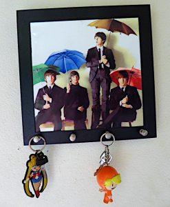 Foto van foto van Beatles met haakjes voor sleutels