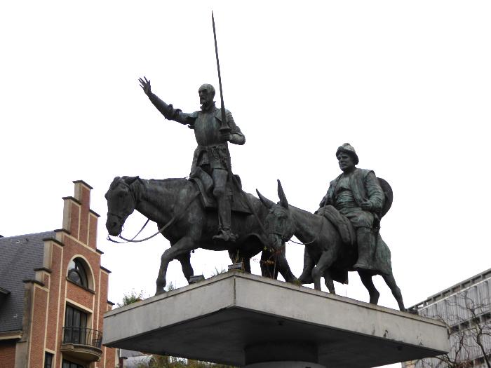 Foto van standbeeld van Don Quichote en zijn vazal Sancho Pancho